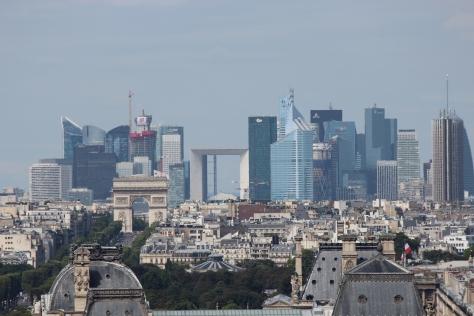 Paris_La_Défense_seen_from_Tour_Saint_Jacques_2013-08